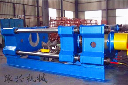 600吨卧式液压机